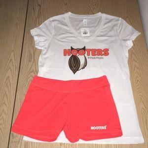 New Hooters Girl Uniform Shirt/New Shorts Med/Sm